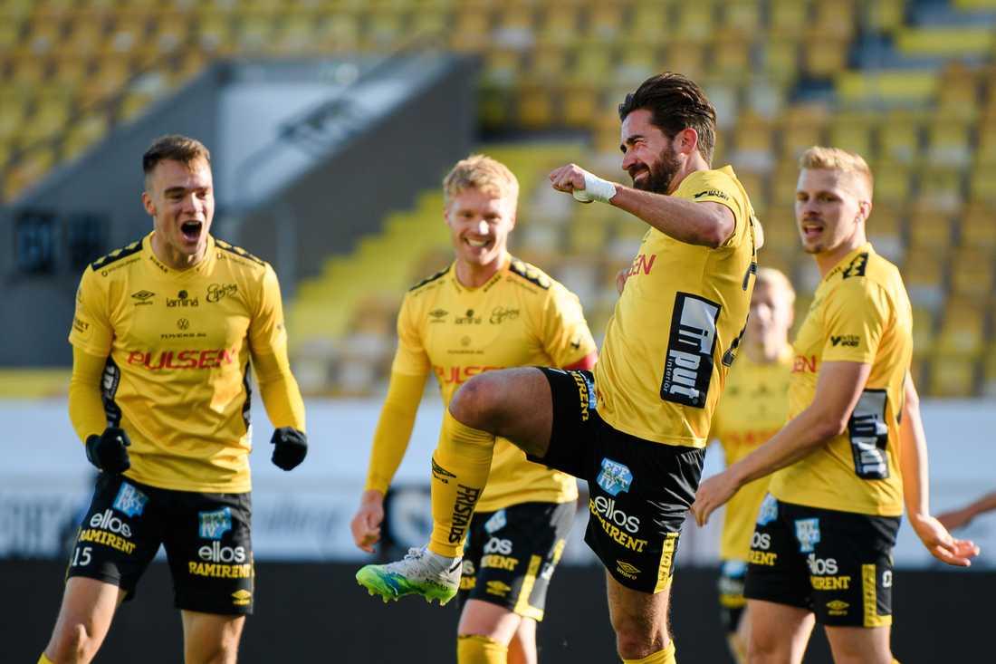 Fredrik Holst inledde målskyttet.
