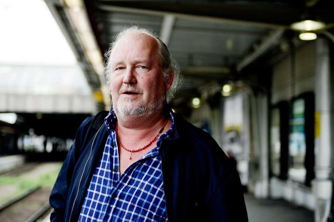 Eldkvarn-sångaren Plura Jonsson..