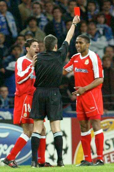 UTVISAD & AVSTÄNGD Jorge Andrade blev utvisad i slutskedet och är avstängd i Deportivos retur mot Porto.