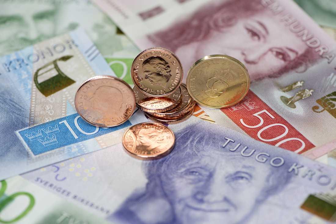 Enligt Skatteverket rinner omfattande summor ur välfärdsystemen på grund av felaktiga bidrag. Arkivbild.