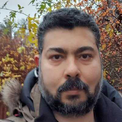 Nader El Ashkar som driver Naders Spel och Tobak i Spånga.