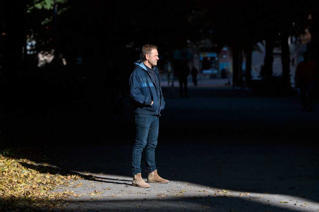 Lasse Wierup är aktuell med boken Gangsterparadiset – Så blev Sverige arena för gängkriminalitet, skjutningar och sprängdåd.