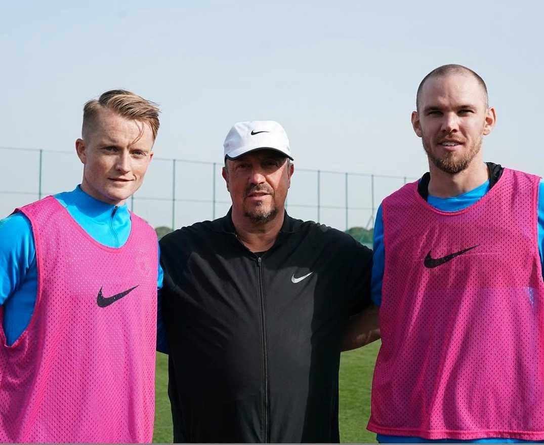 Sam Larsson, Rafael Benitez och Marcus Danielson under ett träningsläger i Spanien i början på mars.