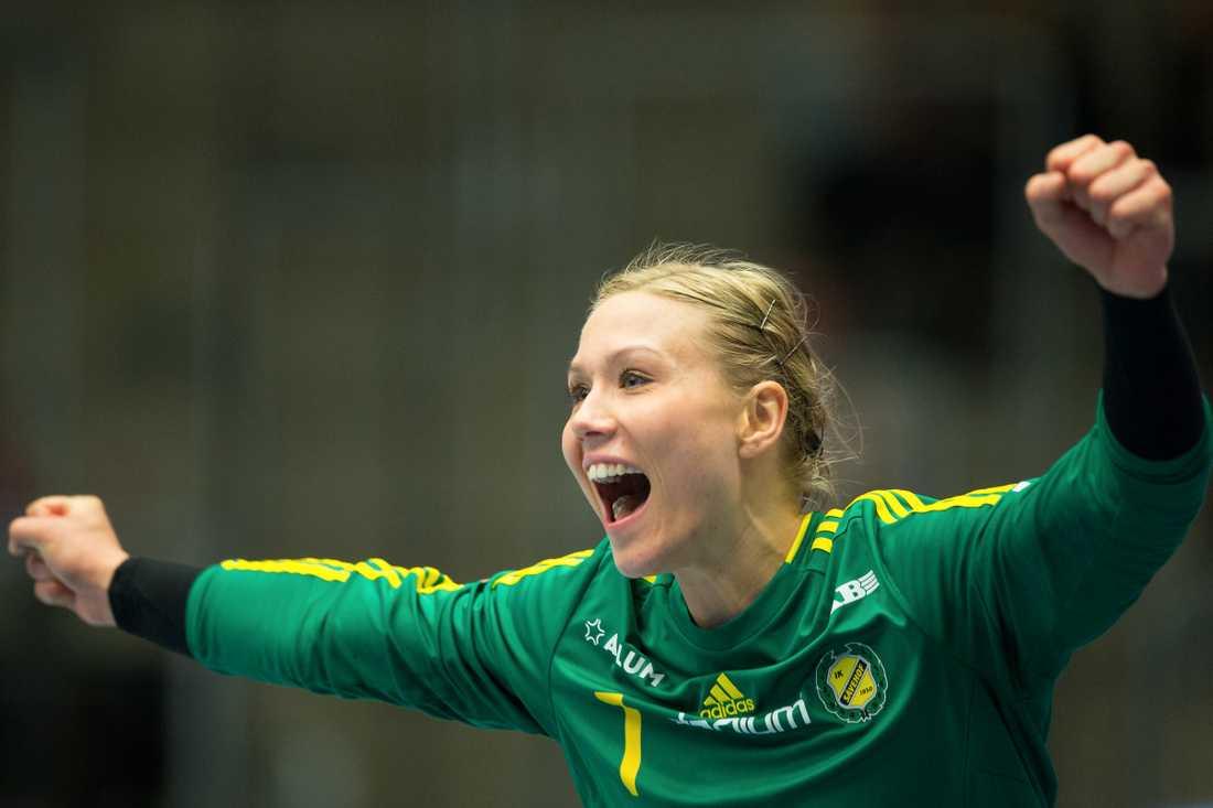 Sävehofs målvakt Christina Elm jublar efter segern mot Boden.