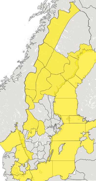 SMHI har utfärdat klass 1-varningar för både hårda vindar, mycket nederbörd och höga vattenflöden.