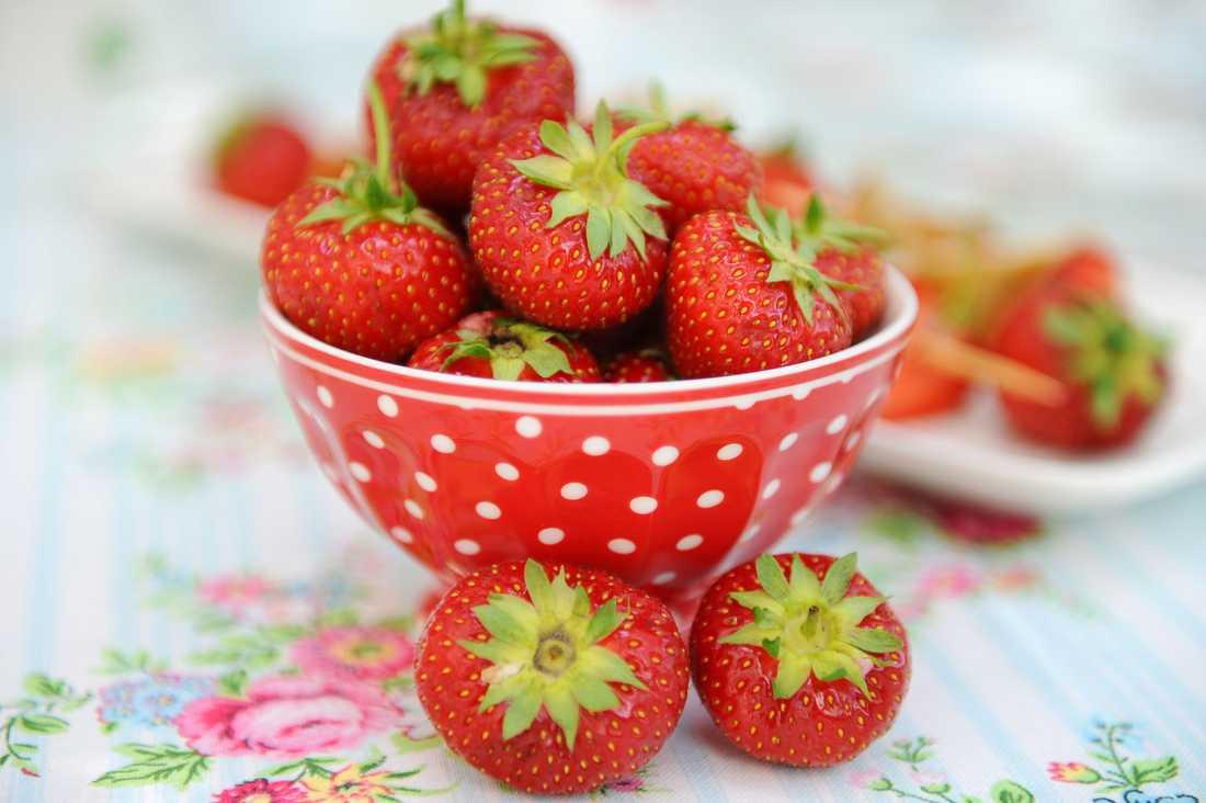 ÄT MER AV: Bär, som jordgubbar.