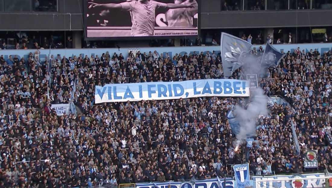 Tiotusentals supportrar hedrade avlidne förre MFF-stjärnan Labinot Harbuzi på Stadion i Malmö.