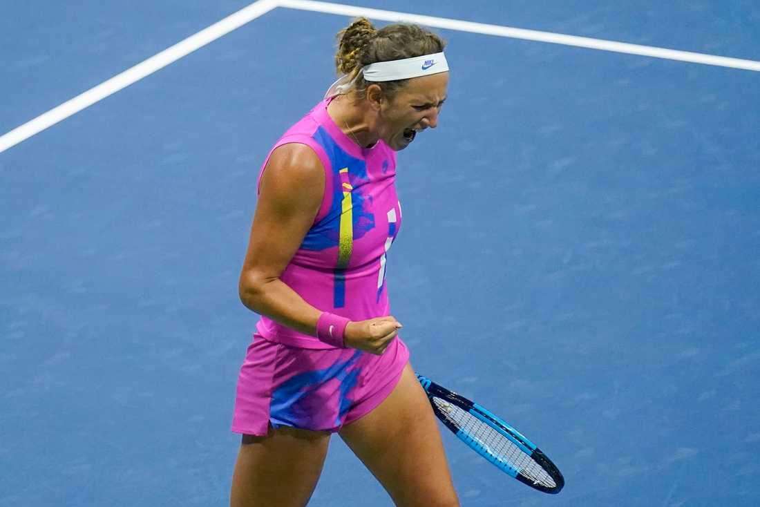 Victoria Azarenka besegrade Serena Williams i US Opens andra semifinal.