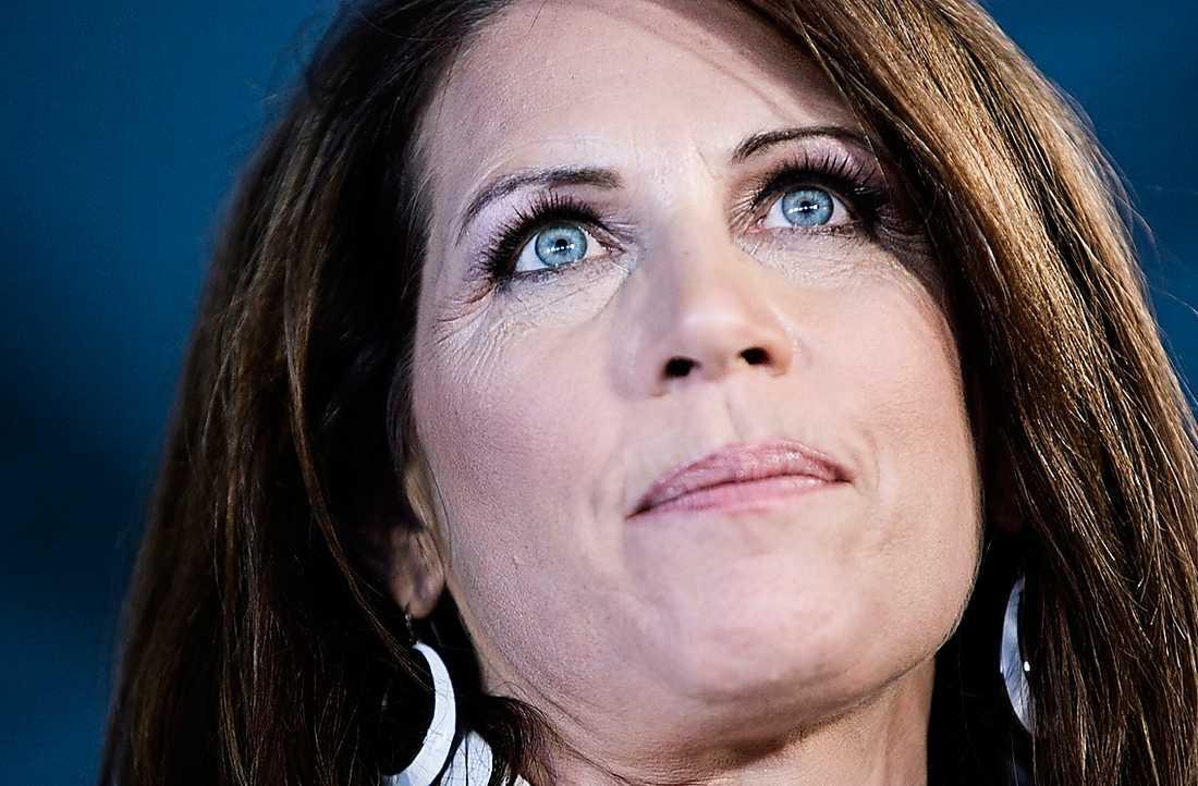 Högerprofil Senatorn Michele Bachmann segrade i ett republikanskt provval med kandidater som vill utmana presidenten Barack Obama. Hon hatar bland annat homosexuella, aborträtten och evolutionsläran.