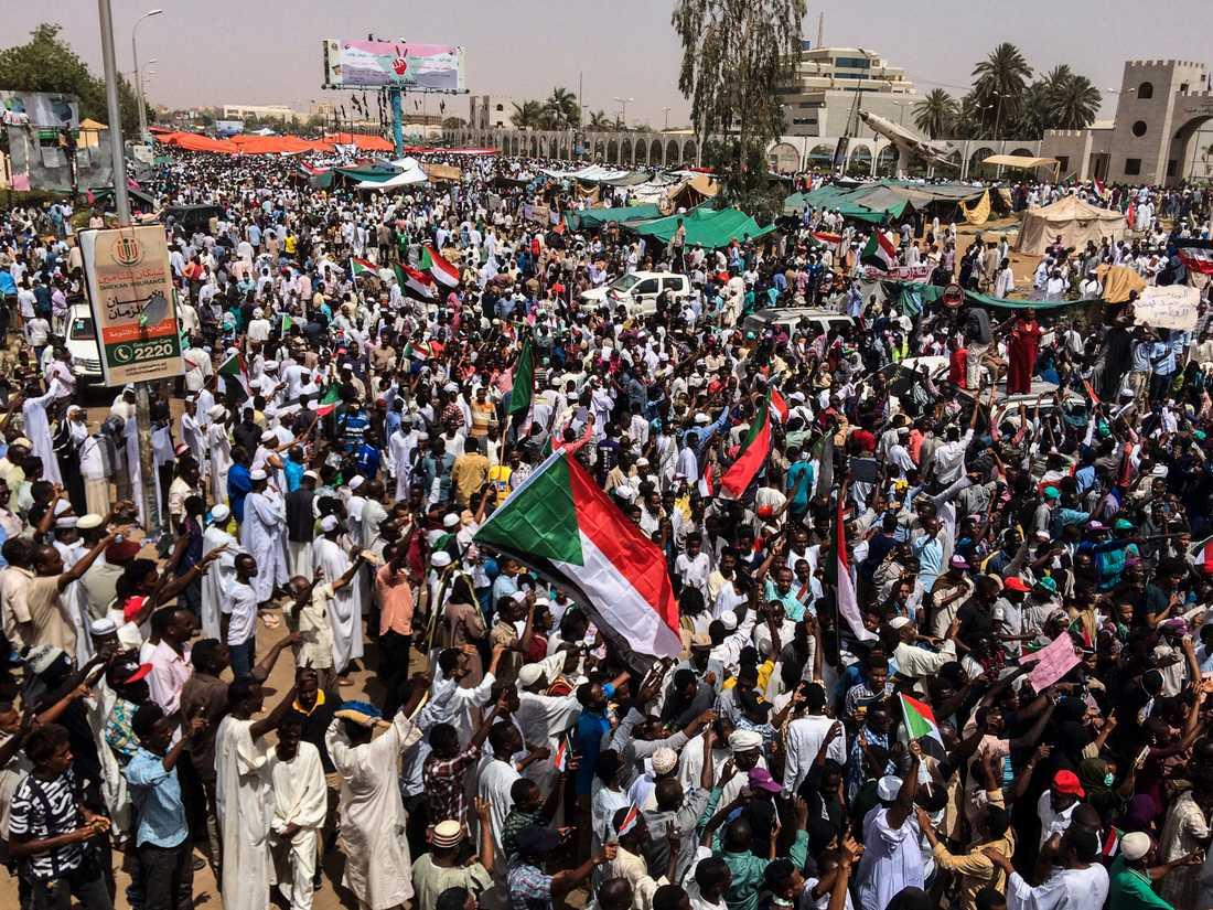 Demonstranter i Sudans huvudstad Khartum i fredags.