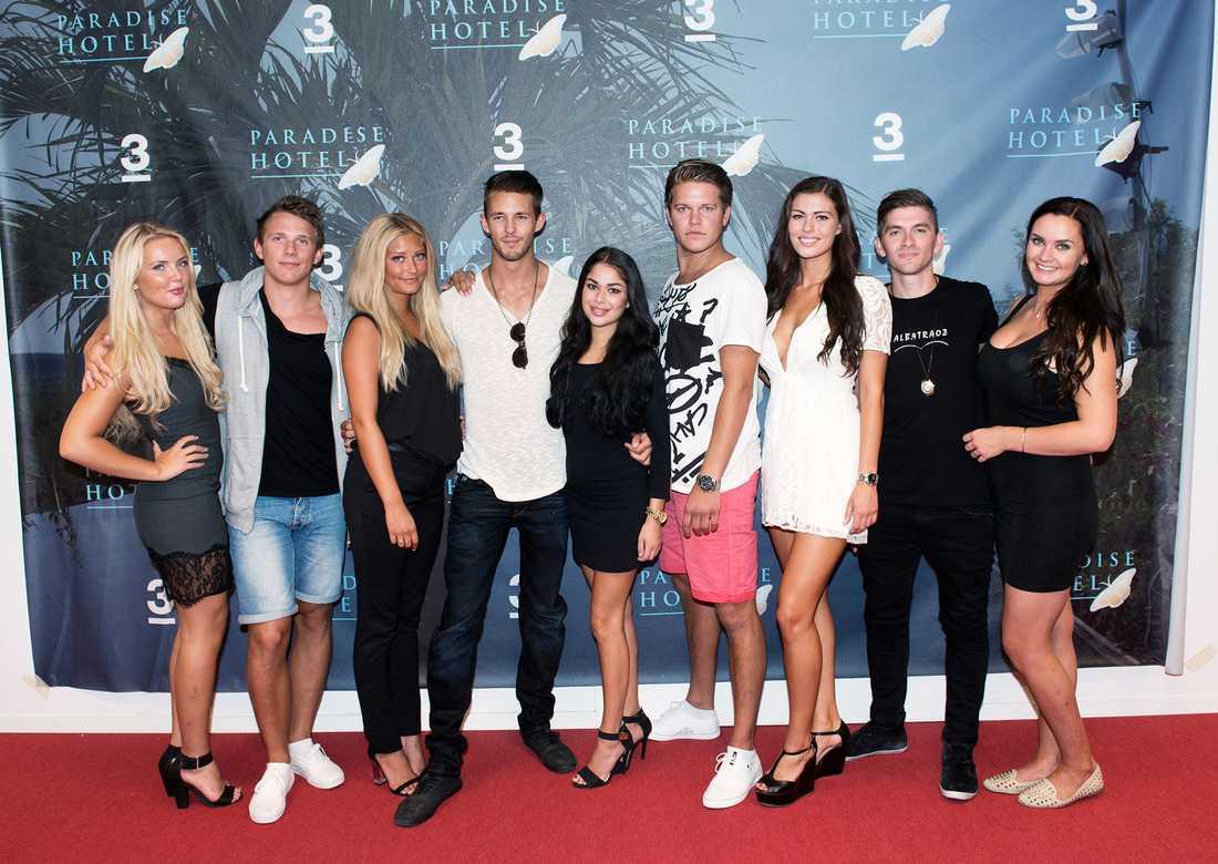 """""""Paradise hotel""""-gänget 2014: Ylva Fogel, Kristian Täljeblad, Saga Scott, Joakim Köhler, Jasmine Gustafsson, Joel Hellström, Natalie Andersson, David Lövgren och Ulrika Forsberg."""