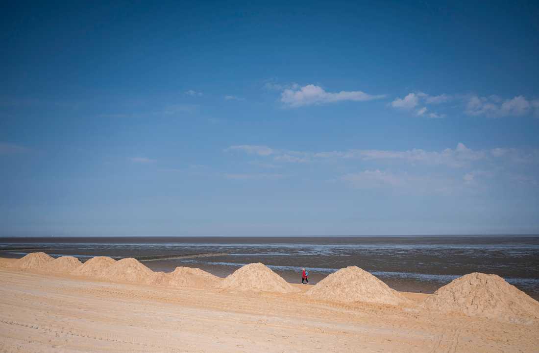 Stranden ligger öde i tyska Cuxhaven. Arkivbild.
