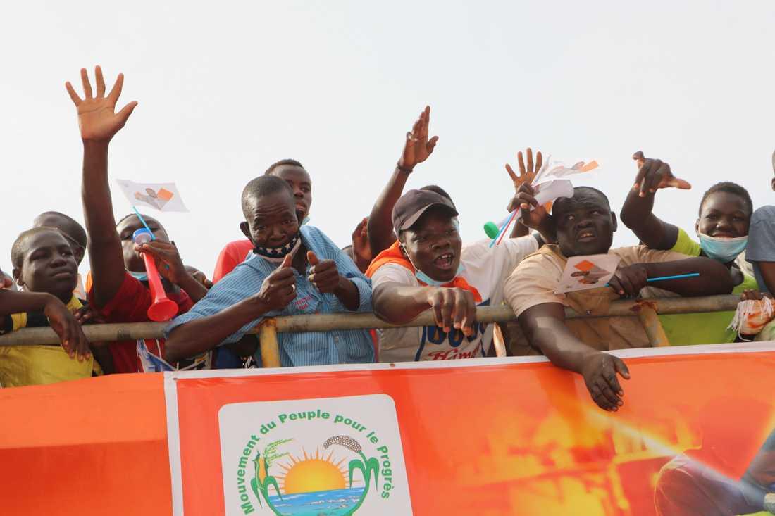 Anhängare till Burkina Fasos sittande president Roch Kaboré, i Bobo-Dioulasso i torsdags.