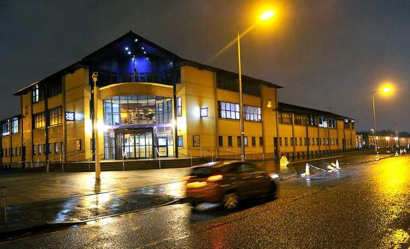 Här, på polishuset i Glasgow, befinner sig flera medarbetare från Säpo.