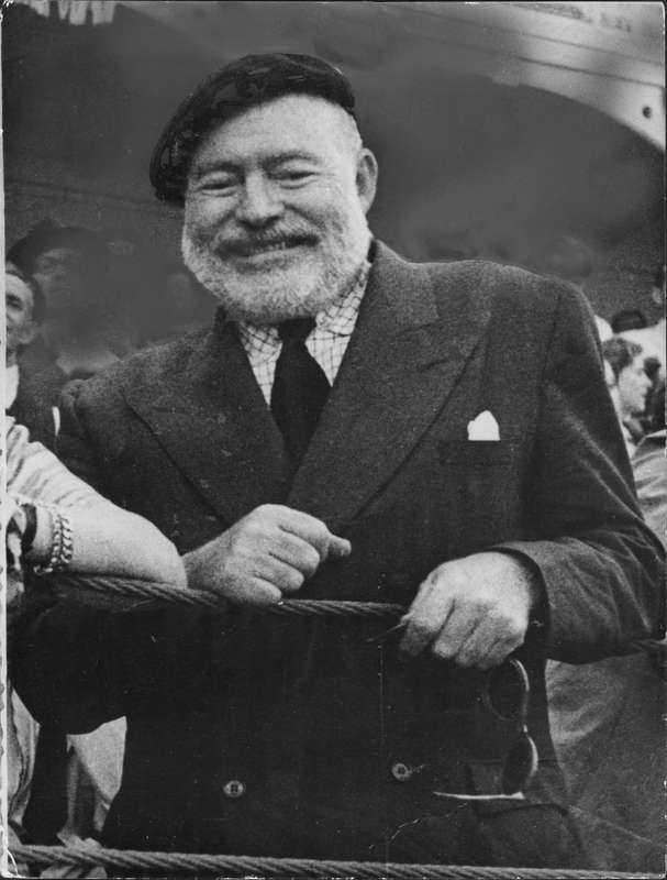 """4. Den amerikanske författaren Ernest Hemingway förälskade sig i skådespelaren Marlene Dietrich  I ett av de mest kärleksfulla breven från Hemingway kunde det bland annat låta så här: """"Jag kan inte förklara hur många gånger jag lagt armarna om dig och känt att jag verkligen var hemma. Men så var det med dig, det fanns alltid saker jag inte kunde förklara. Men vi var alltid glada och skrattade tillsammans."""""""