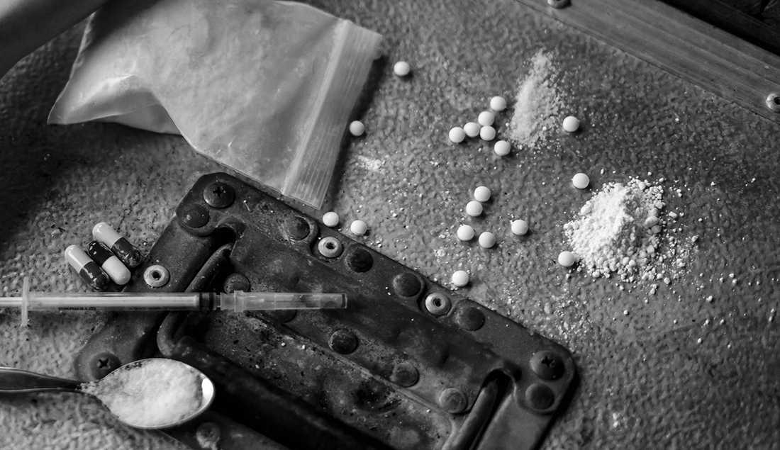 Svensk narkotika dödlighet är högst i Europa, samtidigt som vi har en av kontinentens strängaste lagstiftningar på området, skriver Kristofer Andersson.