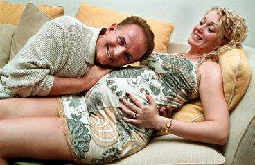 Per Ragnar blev pappa vid 60 med frun Veronica.