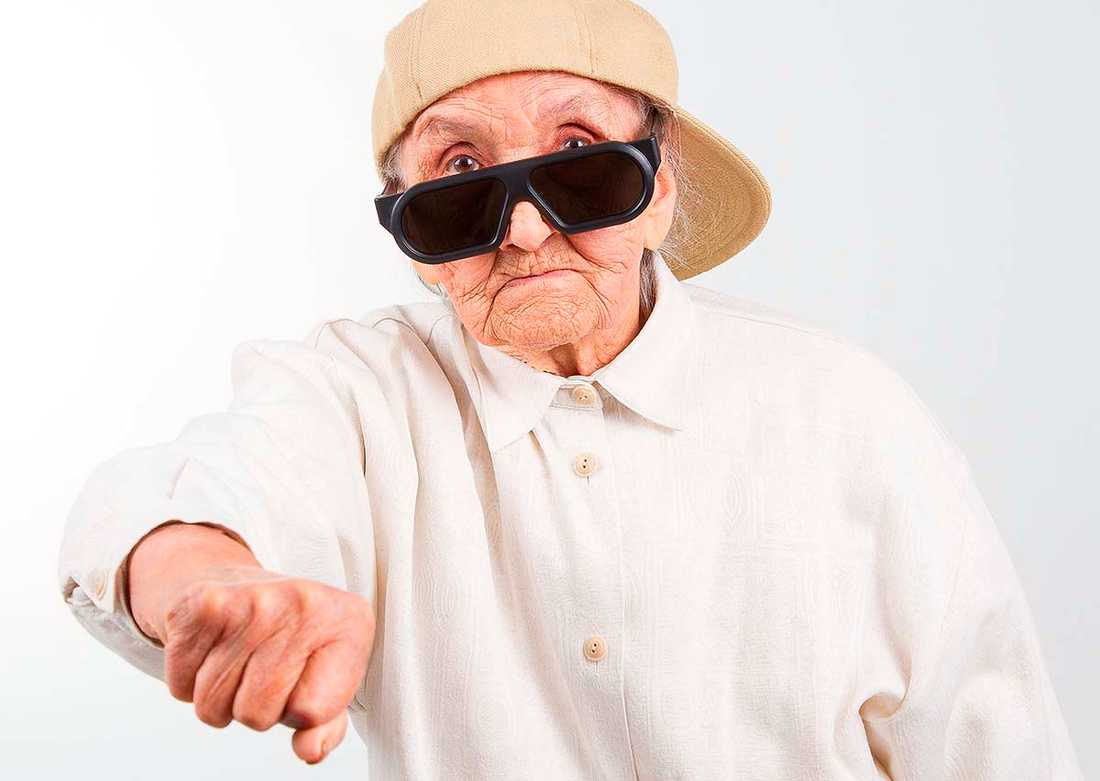 Äldre människor framställs i media som en sorts gulliga gosedjur, skriver Kristina Lindh.