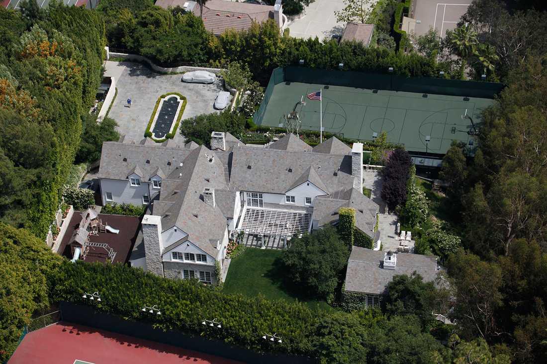 Den närmare 200 kvadratmeter stora bunkern uppges ligga direkt under Tom Cruises tennisbana.