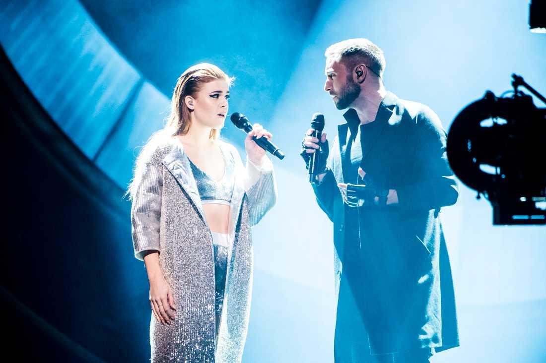 Dotter och Måns Zrlmerlöw gör mellanakt i Andra chansen i Melodifestivalen.