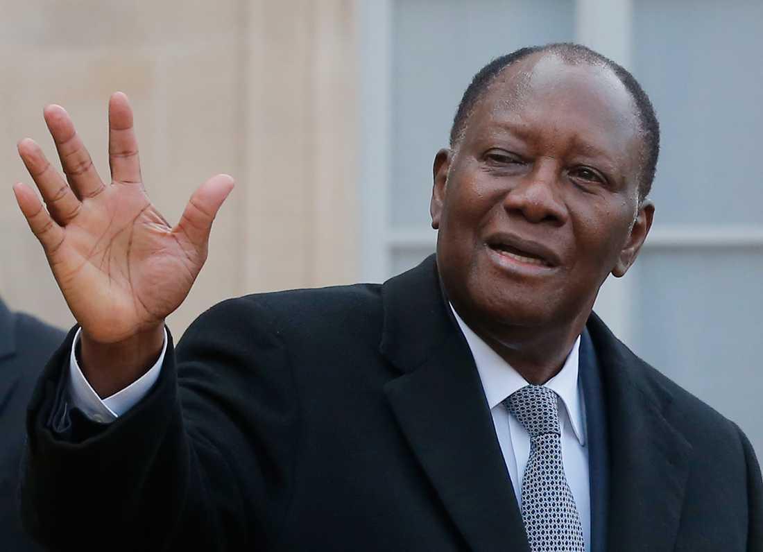 Elfenbenskustens president Alassane Ouattara under ett möte med sin franske motpart Emmanuel Macron i Paris 2018. Arkivbild.