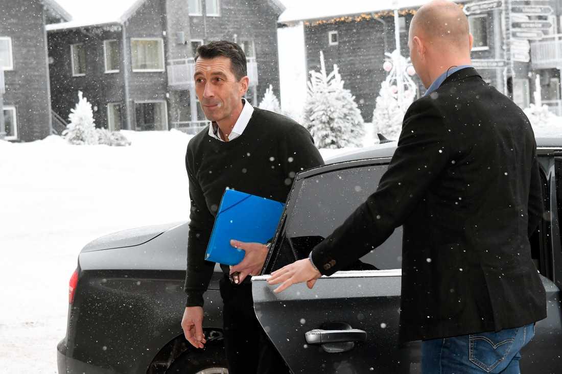 ÖB Micael Bydén anländer till Folk och försvar.