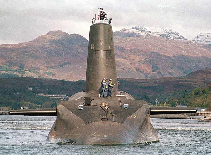 Den brittiska ubåten HMS Vanguard hade en besättning på 141 man.