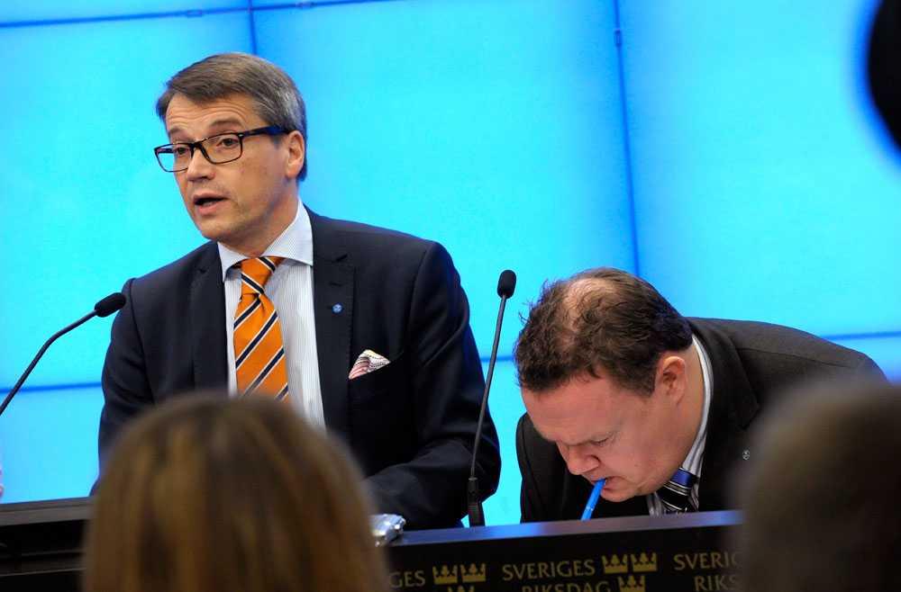 Göran Hägglund föreslås sitta kvar som partiordförande och David Lega föreslås av valberedningen väljas till andra vice ordförande.