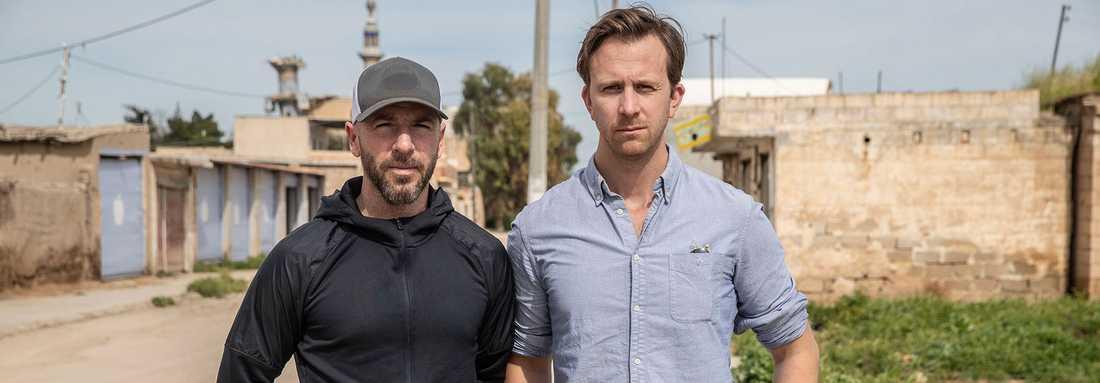 Aftonbladet fotograf Magnus Wennman och reporter Erik Wiman på plats vid al Hol-lägret i Syrien.