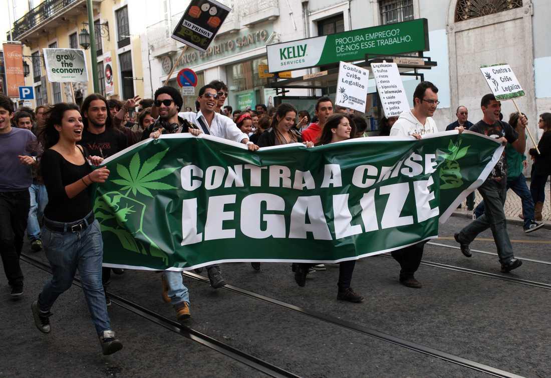Manifestationer för legalisering av cannabis för medicinskt bruk i Portugals huvudstad Lissabon.