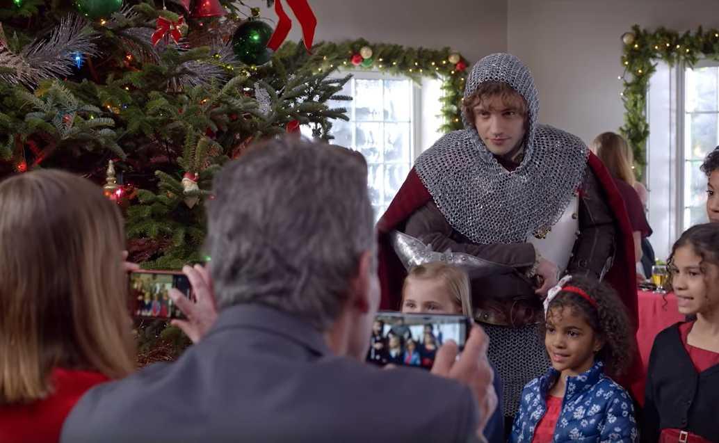 "Josh Whitehouse i ""The knight before Christmas""."