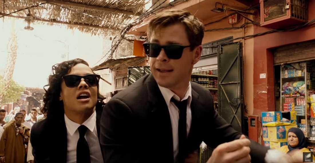 """Chris Hemsworth och Tessa Thompson i """"Men in black international""""."""