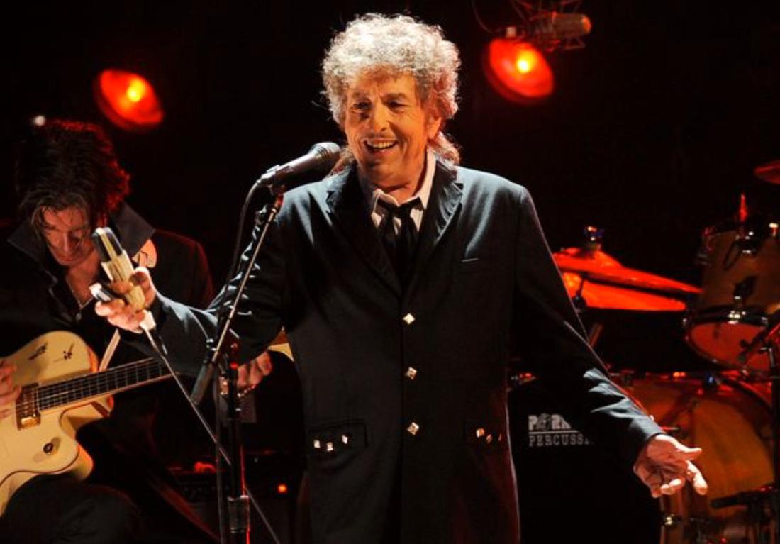 Bob Dylan under ett scenframträdande 2012.