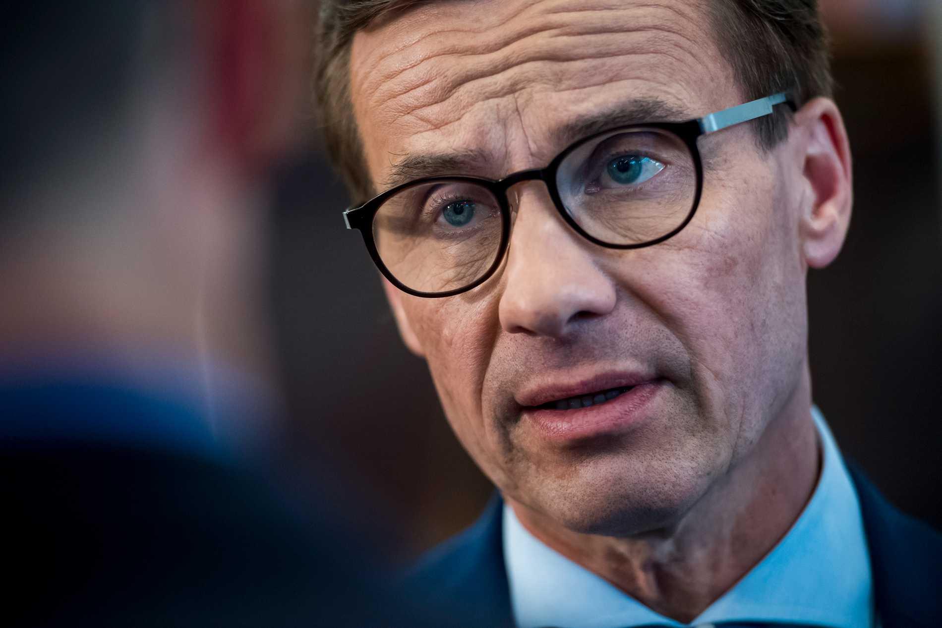Moderaternas partiledare Ulf Kristersson gick till attack mot utrikesminister Ann Linde efter en tv-intervju.