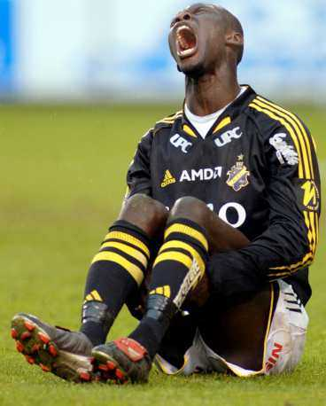 Pah Modou Kah får symbolisera AIK 2004.