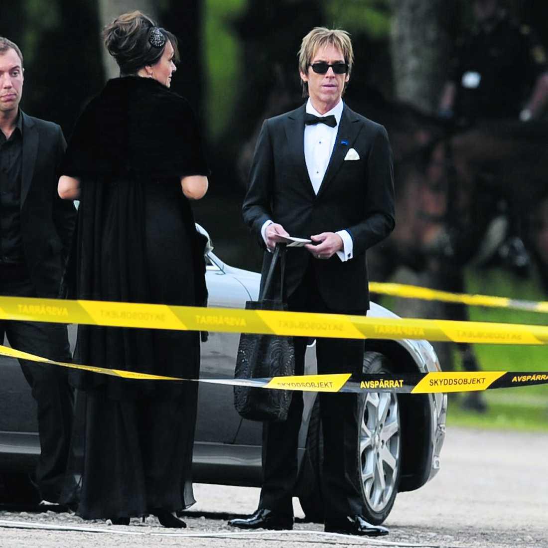 Per Gessle och hans fru Åsa anlände ståndmässigt i en Maserati.