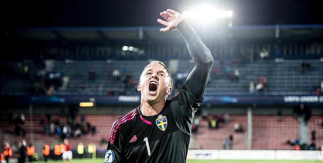 Målvakten Patrik Carlgren visade sin uppskattning.