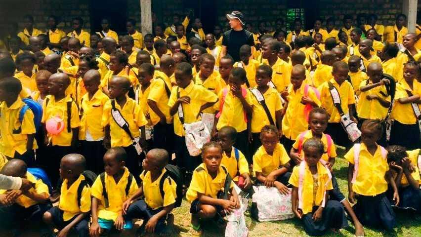 Det är inte bara bara barn med funktionsvariation som går i skolan i Lwengo, utan alla barn är välkomna att bland annat lära sig läsa och skriva.