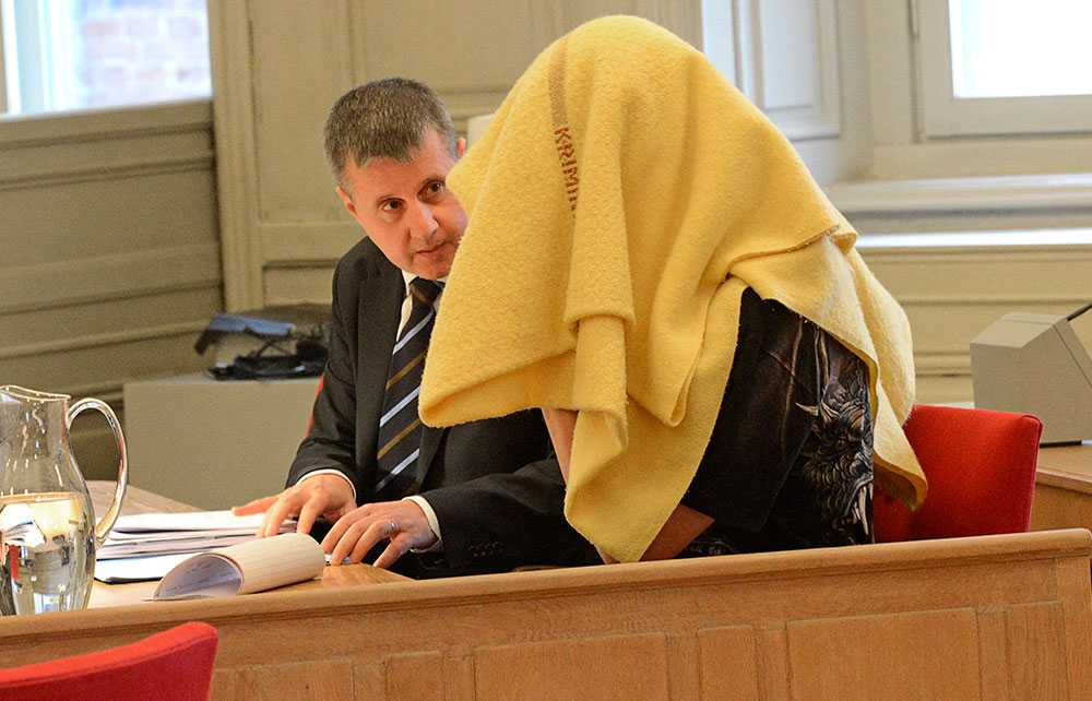 FRAMFÖR RÄTTEN PÅ NYTT Marina Johanssons expojkvän i rätten där han häktades, misstänkt för mord. En ny rättegång hölls i hovrätten för Västra Sverige.