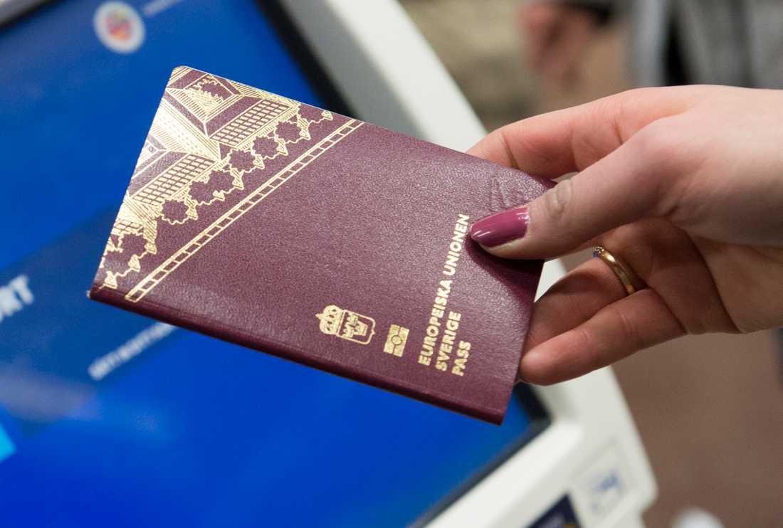 Polisen upptäcker fler förfalskade pass. Arkivbild.