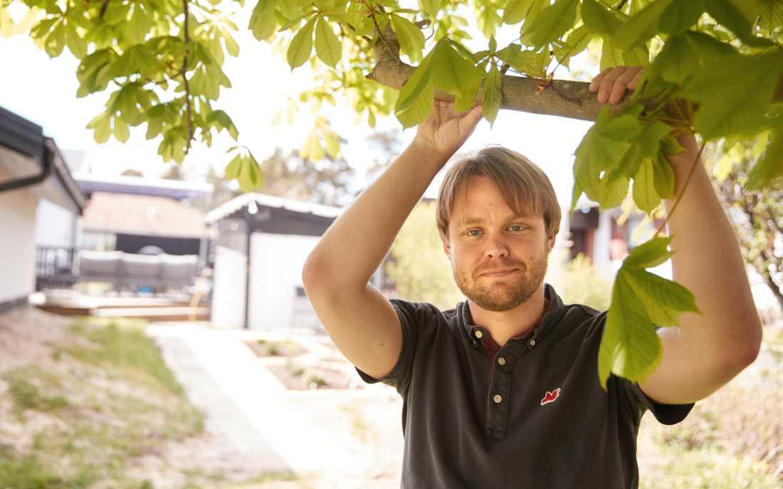 Filip Larsson reser jorden runt genom att laga mat.