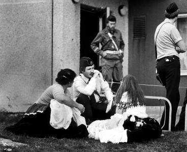 BRANDBERGEN, 1980 Vid massmordet i Brandbergen 1980 dödades fyra människor - däribland pappan och fastern till den häktade 36-åringen som misstänks för skotten utanför Stockholms central i förrgår.