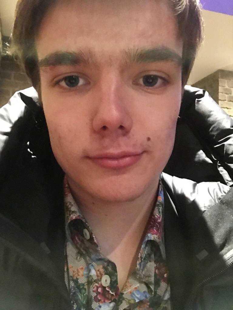 Joar Cederberg, 19, är själv intresserad av politik. Men likgiltigheten inför riksdagsvalet bland unga är utbredd i Finland.