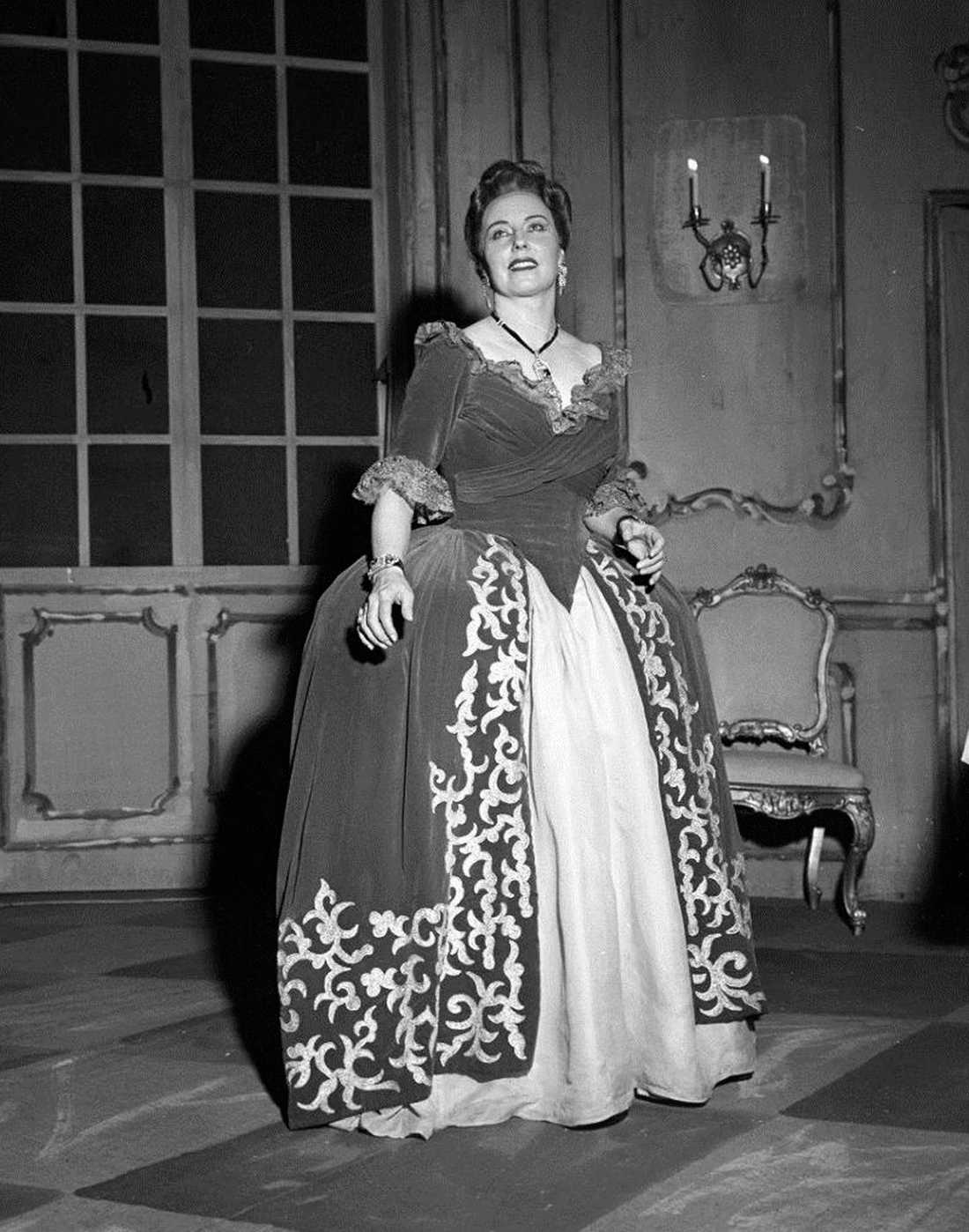 Magda Olivero.
