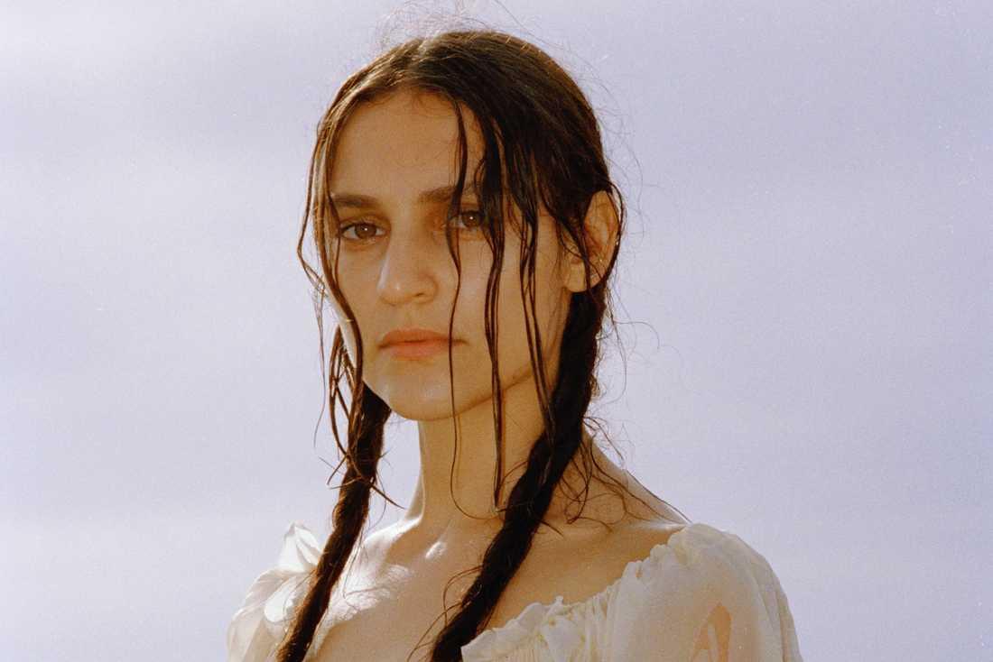 Nicole Sabounés Titiyo-cover är en av veckans bästa låtar.