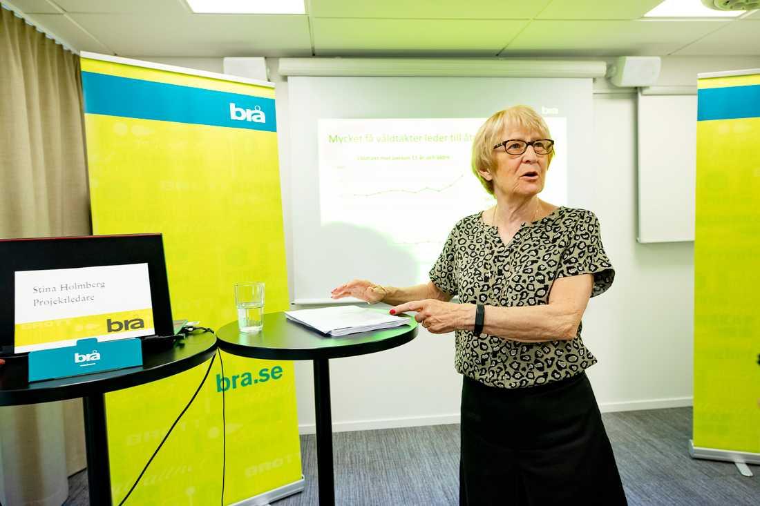 Kriminologen Stina Holmberg från Brå håller pressträff på måndagen.