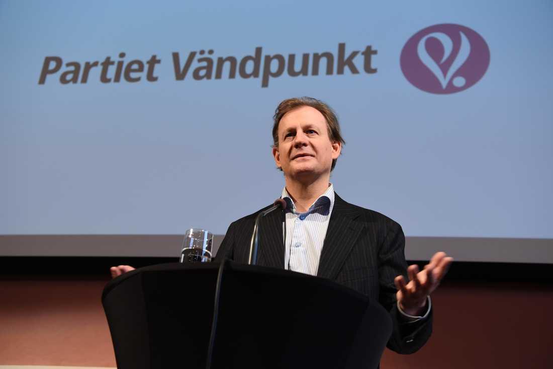 Det nybildade partiet Vändpunkt har fått tillräckligt stöd för att ställa upp i EU-valet i maj. Här när avhoppade miljöpartisten Carl Schlyter lanserade initiativet. Arkivbild.