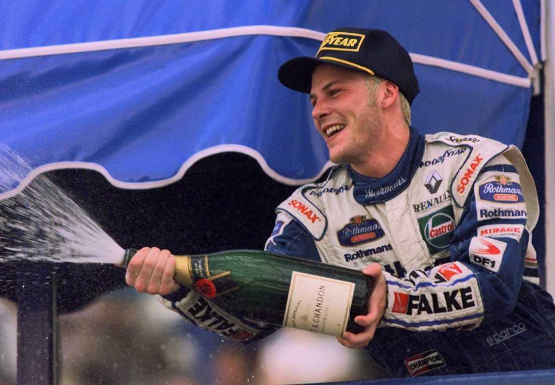 Förre F1-världsmästaren Jacques Villeneuve kör Porsche Carrera Cup på Ring Knutstorp