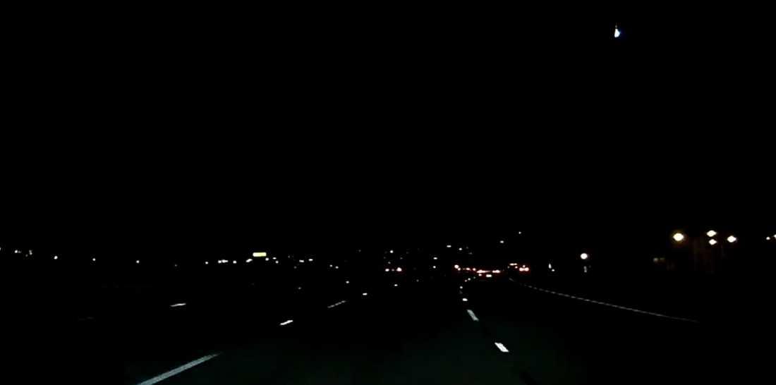 Bara timmar efter meteorsvärmen i Ryssland syntes nya kraftiga ljussken på västkusten i USA.