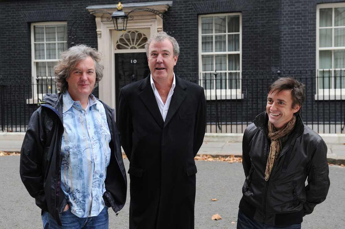 James May och Richard Hammond tycks köra vidare utan Jeremy Clarkson (i mitten)